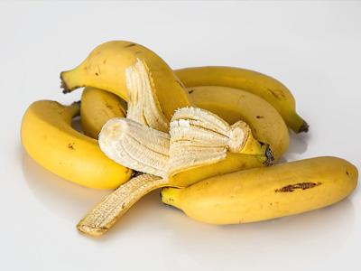 Banana plants an a-peeling alternative for packaging | Food & Beverage